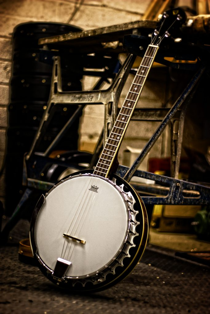 How to Hold and Tune your McNeela Celt Banjo