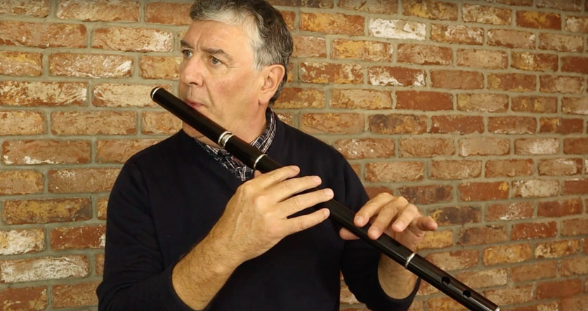 Paraic McNeela playing The Bird in the Bush on the McNeela African Blackwood flute