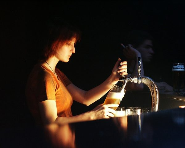 The Maid Behind the Bar, Irish Session Tune - Young woman pulling a pint of beer