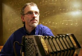 Noel Hill pictured with Anglo concertina