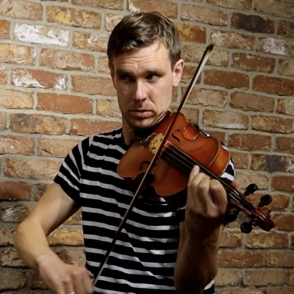 Liam O'Connor plays Finbarr Dwyer's Holly Bush on fiddle