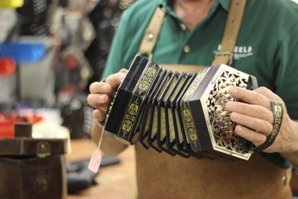 Irish instruments Paraic McNeela plays a Jeffries Concertina