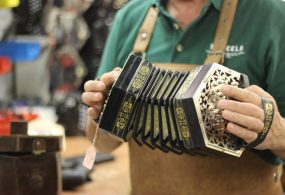 Irish instruments Paraic McNeela plays a Jeffries Concertina