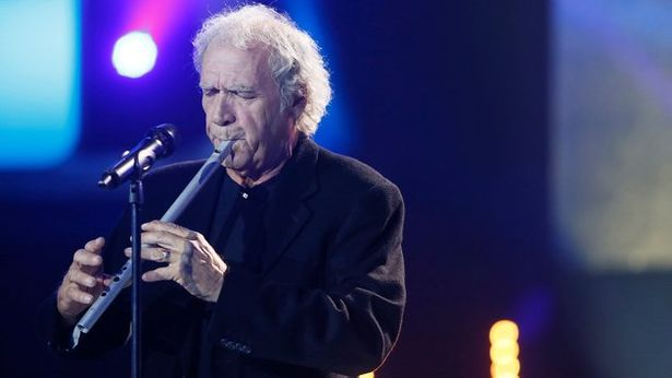 Finbar Furey Plays the Low Whistle
