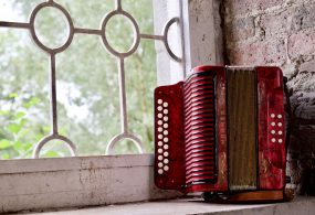 Irish Accordion key B/C C#/D