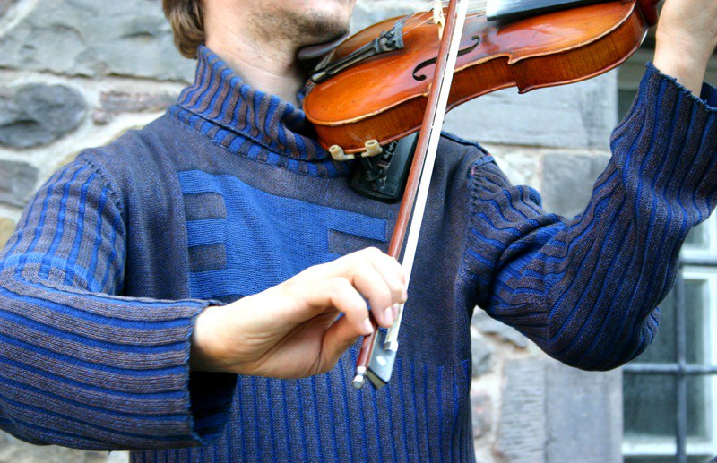 Irish fiddle player