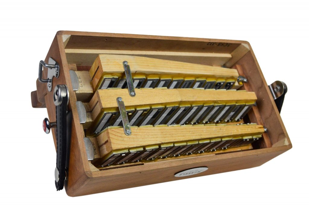 Best button accordions - mcneela Irish button accordion interior - reed banks