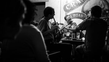 Traditional Irish music session in a pub in Galway, Ireland - photo taken by Giuseppe Milo