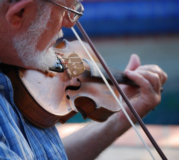 Man playing Irish fiddle