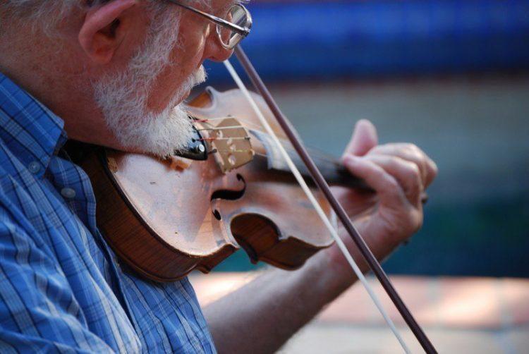 Man playing Irish fiddle